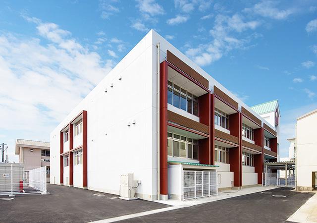 築上西高等学校特別教室棟 東側外観